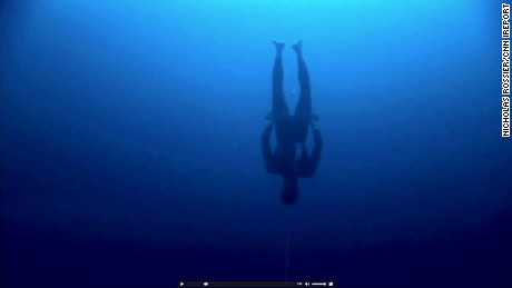 William Trubridge dives without diving equipment in the Bahamas in January 2012. // Nicholas Rossier/CNN iReport http://ireport.cnn.com/docs/DOC-839140