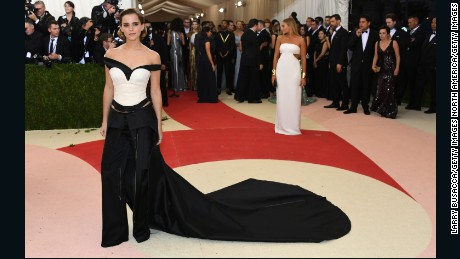"""NEW YORK, NY - MAY 02:  Actress Emma Watson attends the """"Manus x Machina: Fashion In An Age Of Technology"""" Costume Institute Gala at Metropolitan Museum of Art on May 2, 2016 in New York City.  (Photo by Larry Busacca/Getty Images)"""