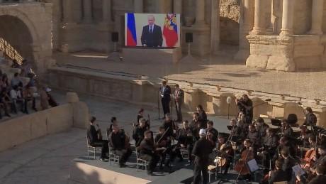 russian orchestra plays palmyra pleitgen pkg_00004521.jpg