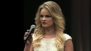 Teen pageant contestant collapses on stage pkg_00013110.jpg