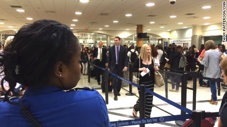 atlanta airport shuts tsa checkpoint for 3 weeks