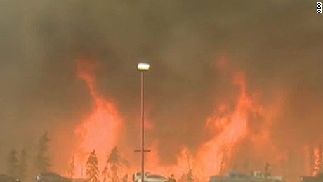 fort mcmurray fire grows canada lead dnt vercammen_00000412