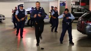 Worldwide cops running man viral dance off_00010613