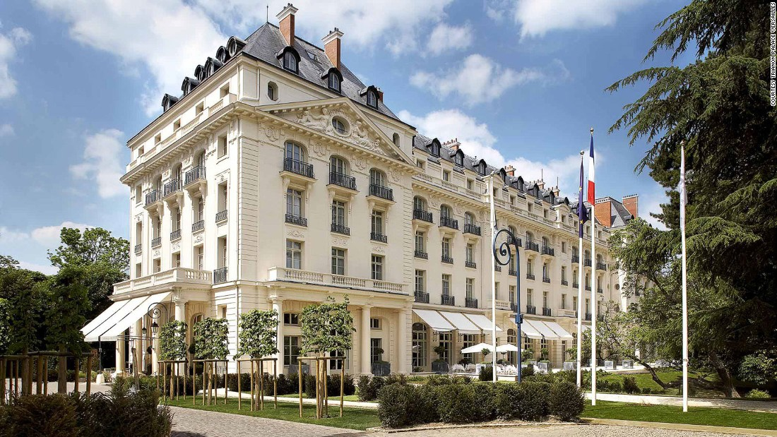 Within walking distance of the Palace of Versailles, the Trianon has 199 rooms outfitted with fireplaces and terraces, and a two-Michelin-starred restaurant, Gordon Ramsay au Trianon.