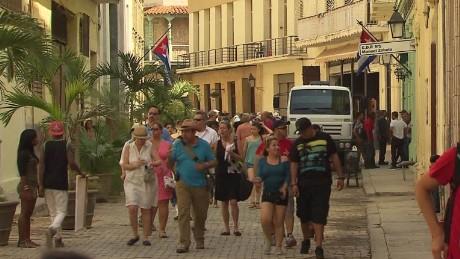 cnnee dinero pkg jose manuel rodriguez cuba miami turismo_00021827