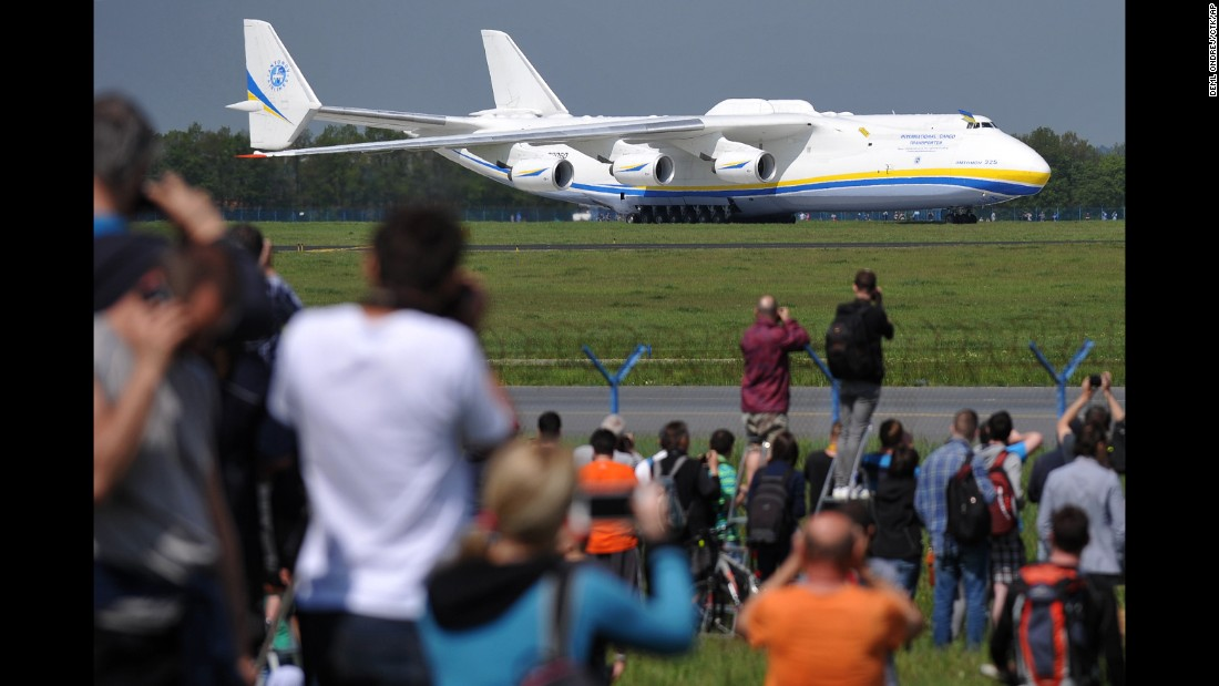 Rare Flight For The Biggest Plane In The World