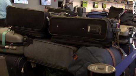 Phoenix Sky Harbor Airport: Luggage screening resumes hours later - CNN.com
