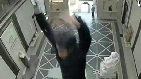 man falls through glass ceiling rodin museum dnt_00000819