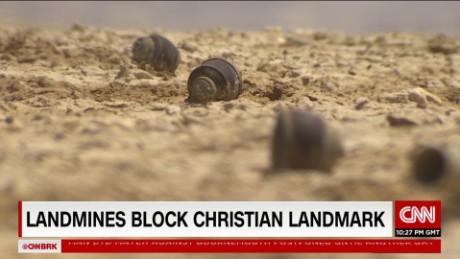 Landmines block christian landmark pkg Oren Liebermann_00004010.jpg
