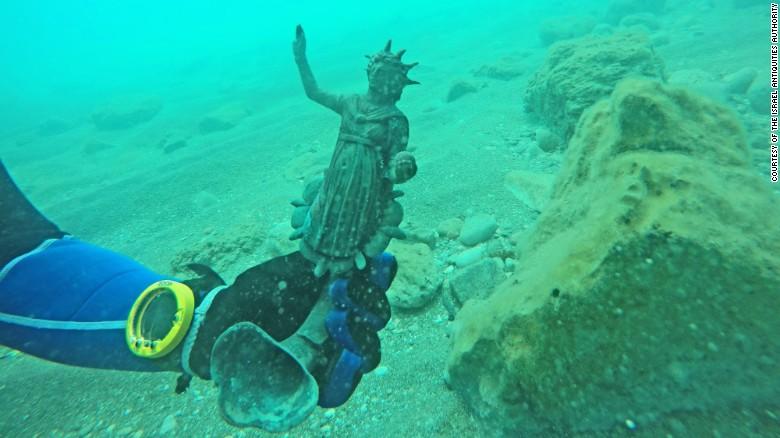 Alte Römische Statue in Wrack entdeckt.