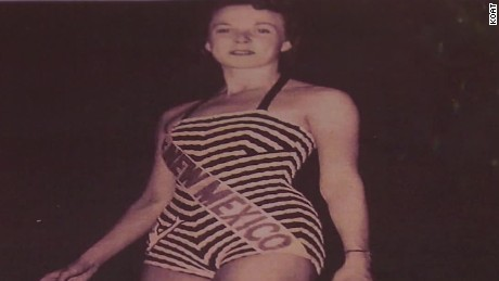 Miss New Mexico 1948 Betha Young crown sash _00011207