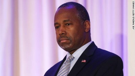 Former Republican presidential candidate Ben Carson gives his endorsement to Republican presidential candidate Donald Trump during a press conference at the Mar-A-Lago Club on March 11, 2016 in Palm Beach, Florida.