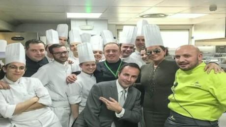 cnnee pkg juan carlos arciniegas cannes gastronomia chef_00014415
