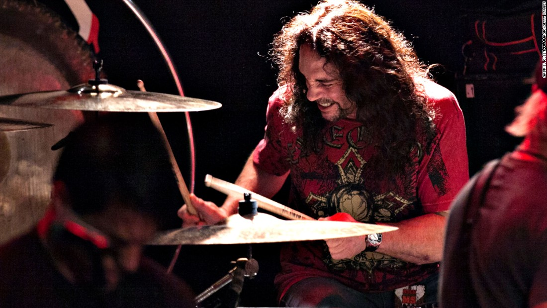 "Drummer <a href=""http://www.cnn.com/2016/05/22/living/nick-menza-ex-megadeth-drummer-death-trnd/index.html"" target=""_blank"">Nick Menza</a>, who played on many of Megadeth's most successful albums, died after he collapsed on stage during a show with his current band, Ohm, on May 21. He was 51."