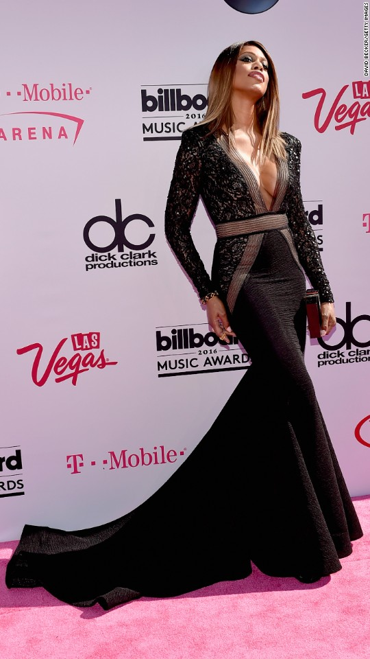 http://i2.cdn.turner.com/cnnnext/dam/assets/160522194720-01-billboard-music-awards-red-carpet-super-916.jpg