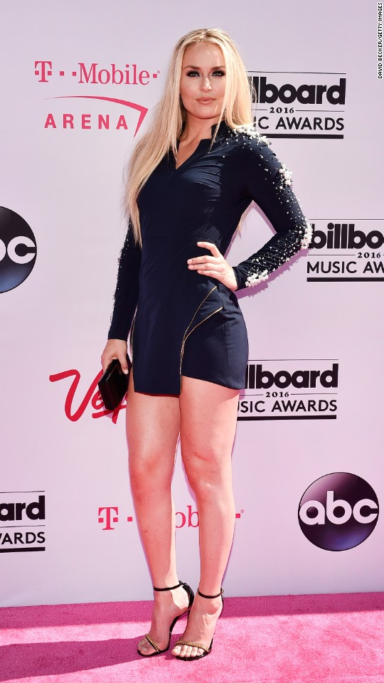http://i2.cdn.turner.com/cnnnext/dam/assets/160522194842-07-billboard-music-awards-red-carpet-super-916.jpg