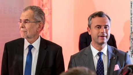 Austrian presidential candidates Alexander Van der Bellen, left, and Norbert Hofer in Vienna on Sunday.