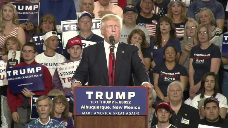 Trump: Hillary Clinton a 'lowlife'