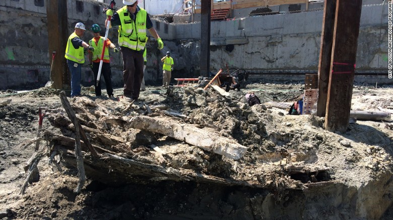 Boston Construction Uncovers 1800s Wooden Ship Photos