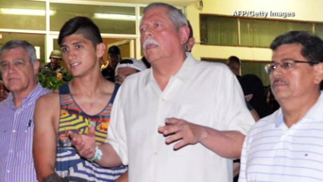 cnnee pkg rey rodriguez liberacion futbolista alan pulido_00005018