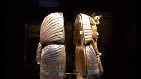 cnnee pkg digital fraon tutankamon daga hecha de meteorito_00002719