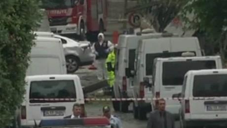 car bombing kills 11 in istanbul_00000204