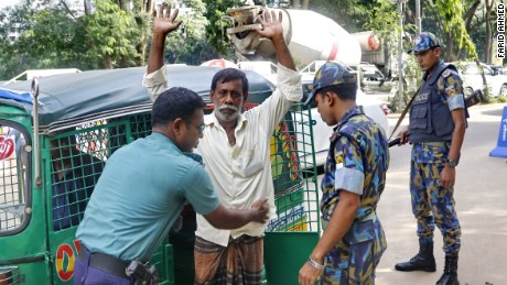 Bangladesh authority has beefed up security and launched a drive against Islamist militants across the country on June 10, 2016  following a spate of murders of secular bloggers, writers, activists and religious minority people. The photos were taken at a police check-post in Gulshan in Bangladesh capital Dhaka.