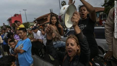 cnnee brk osmary hernandez venezuela crisis bandalismo _00030010