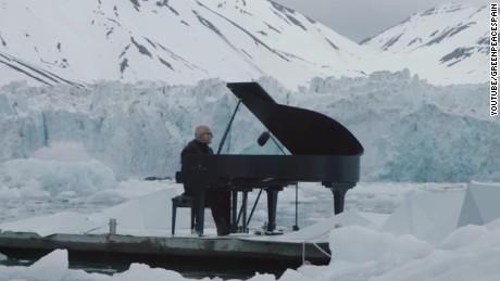 Pianist performs Arctic Ocean glacier jnd orig vstan_00002627.jpg