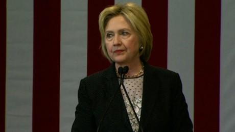 Hillary Clinton Donald Trump economy_00000000.jpg