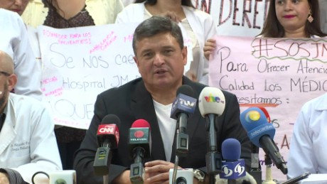 cnnee rafael romo crisis salud venezuela sot earle siso_00002603