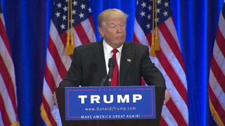 donald trump reading teleprompter sniffing moos erin_00012908.jpg