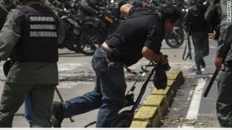 venezuela journalists under attack romo pkg_00001324.jpg