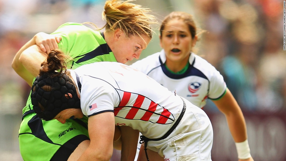 Potter (center) is known as one of the toughest tacklers on the women's sevens circuit.