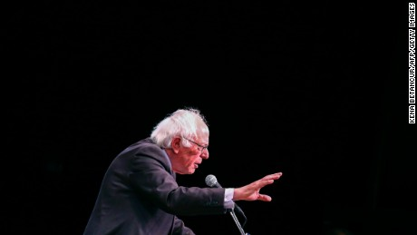 Democratic Presidential Candidate Bernie Sanders speaks during an event 'Where We Go From Here' in New York on June 23 2016. / AFP / KENA BETANCUR        (Photo credit should read KENA BETANCUR/AFP/Getty Images)