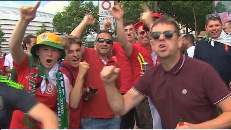 eu referendum football fans ripley pkg_00001730.jpg