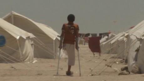 refugee conditions fleeing falluja wedeman pkg_00010123.jpg