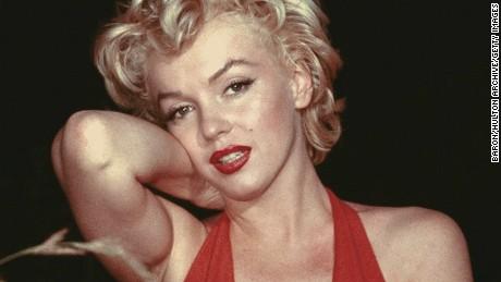 circa 1954:  American film actress Marilyn Monroe (Norma Jean Mortenson or Norma Jean Baker, 1926 - 1962).  (Photo by Baron/Getty Images)