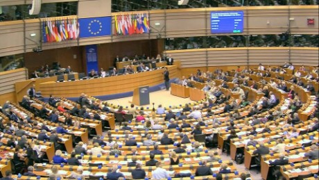 europe uncertain future brussels pkg mclaughlin_00002925.jpg