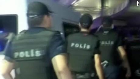 sue savage istanbul attack beeper erin _00005810.jpg