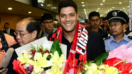 Brazil's Hulk makes his way through the arrivals halls at Shanghai Pudong International Airport on June 29, 2016.   Zenit St Petersburg's Brazilian international Hulk arrived in Shanghai on June 29 to sign for Sven-Goran Eriksson's Shanghai SIPG team, as the cash-flush Chinese Super League embarks on a new round of transfer spending. / AFP / STR / China OUT        (Photo credit should read STR/AFP/Getty Images)