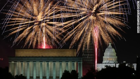 Fireworks light up the sky over the Lincoln Memorial, Washington Monument, and the U.S. Capitol on July 4, 2013 in Washington, DC.