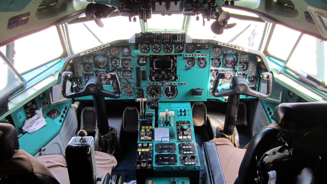 Here's the Tu-154's cockpit.