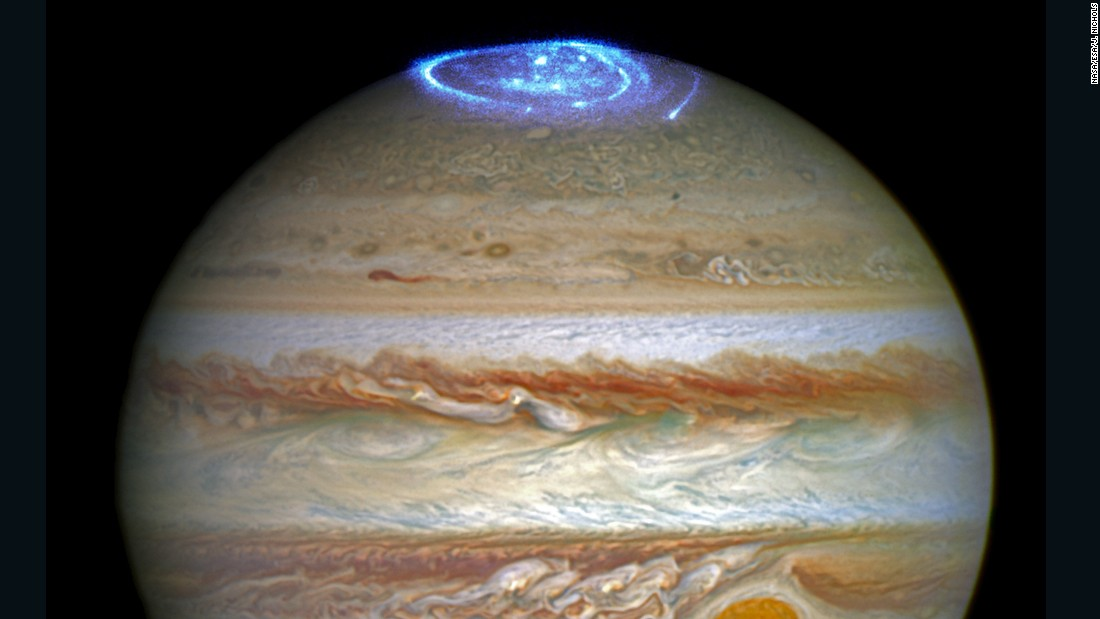 Giant Spacecraft Spins Toward Jupiter