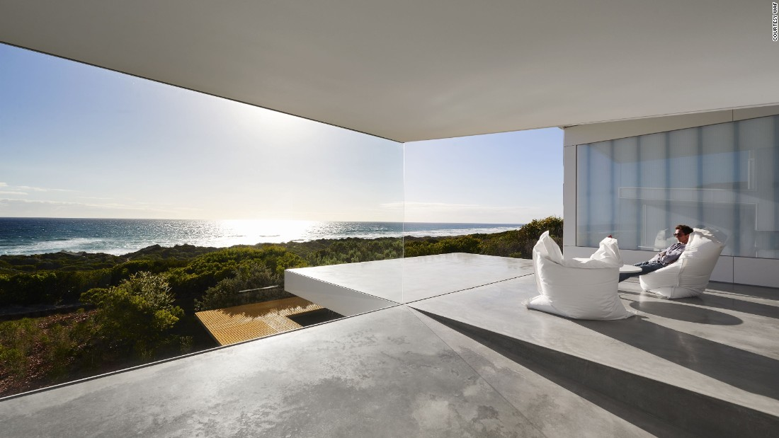 Another nominee for the House award is the stylish Villa Marittima at St Andrews Beach, Australia, by Robin Williams Architect (Image courtesy WAF).