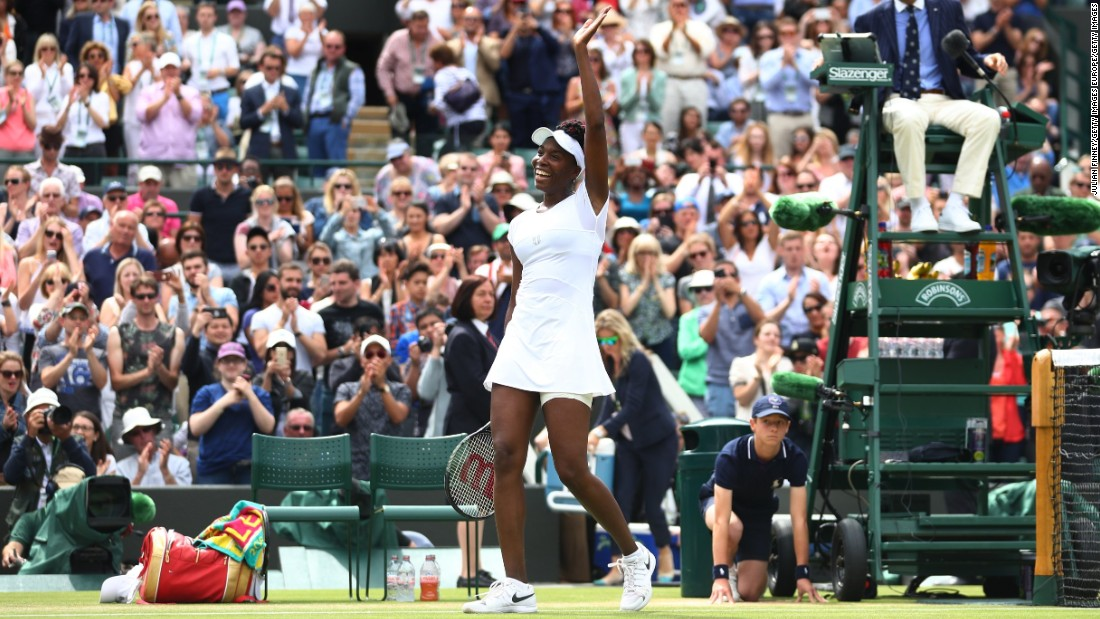 Venus Williams beat Yaroslava Shvedova 7-6 (7-5) 6-3 to reach the Wimbledon semifinals.