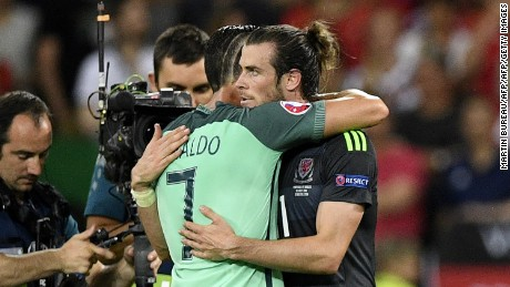 Euro 2016: Giggs believes Bale is better than Ronaldo