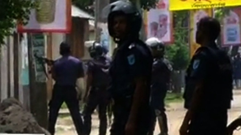 Bangladeshi police: Attackers fire on prayer group