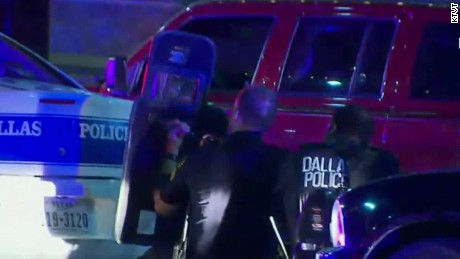 police officers shot dallas texas sot ctn_00000101