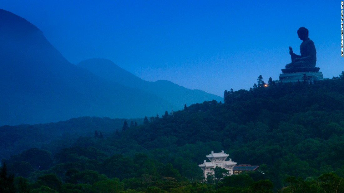 Surrounded by lush mountains, the majestic but humbly-gestured bronze statue of Buddha Shakyamuni stands 34 meters high. Located on Lantau Island, you have to climb 268 steps to reach it.